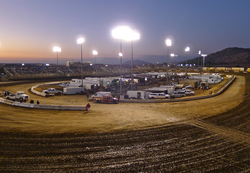 Perris Raceway on a CRF450R – First Time Flat-Tracking